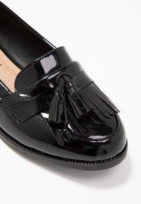New Look - KAIRY - Półbuty wsuwane - black - 2