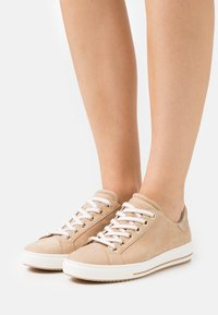 Gabor Comfort - Trainers - caramel/champagner - 0