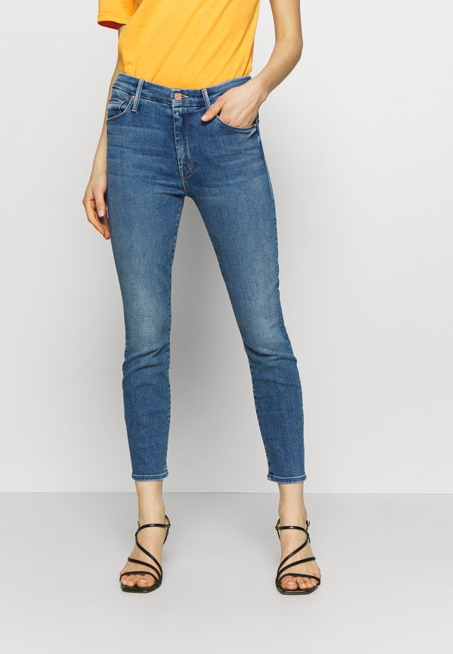 THE LOOKER CROP  - Skinny-Farkut - blue denim
