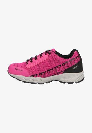 Sportieve wandelschoenen - magenta