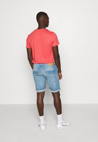 Jack & Jones - JJIRICK JJORIGINAL - Shorts vaqueros - blue denim - 2