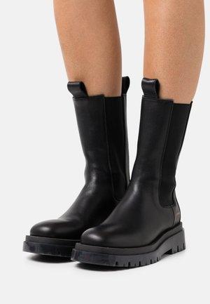 CPH1000 - Platform boots - black