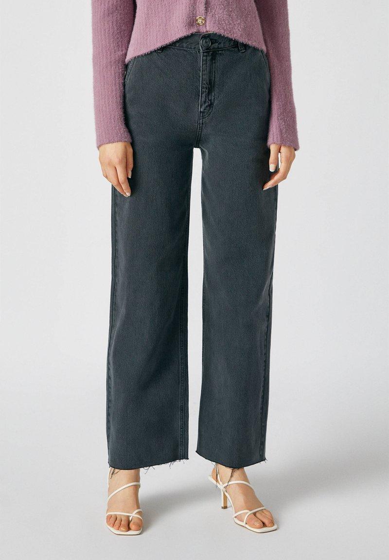 PULL&BEAR - Flared Jeans - dark grey