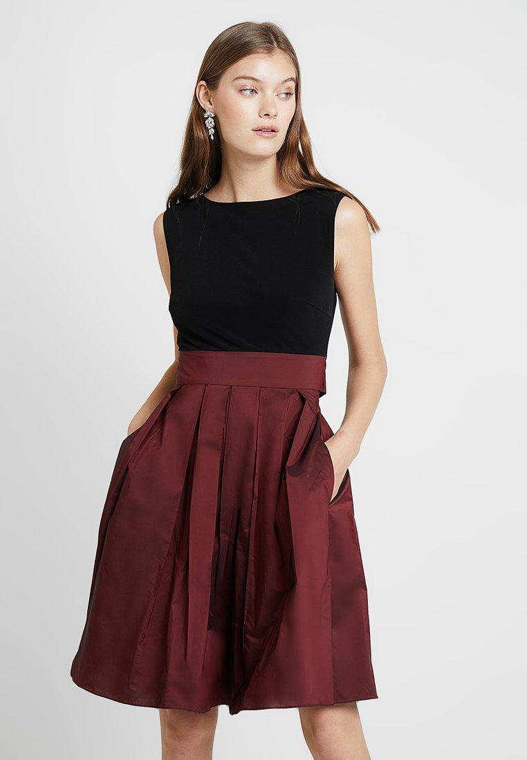Swing - Vestido de cóctel - dark red