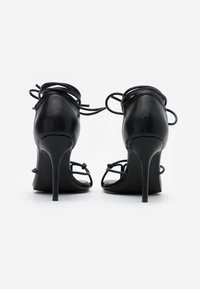 NA-KD - CHLOEB x NA-KD Square Front Sandal - Sandales à talons hauts - black - 3