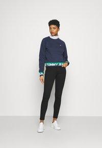 Tommy Jeans - SYLVIA SUPER SKNY - Jeans Skinny Fit - malmo black - 1