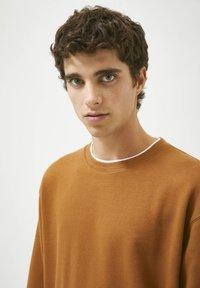 PULL&BEAR - Sweatshirt - mottled brown - 3