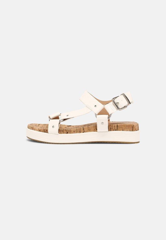LUSSO - Korkeakorkoiset sandaalit - white