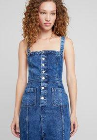 Pepe Jeans - DUA LIPA X PEPE JEANS - Vestido vaquero - blue denim - 5