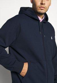 Polo Ralph Lauren Big & Tall - DOUBLE TECH HOOD - Sudadera con cremallera - aviator navy - 4
