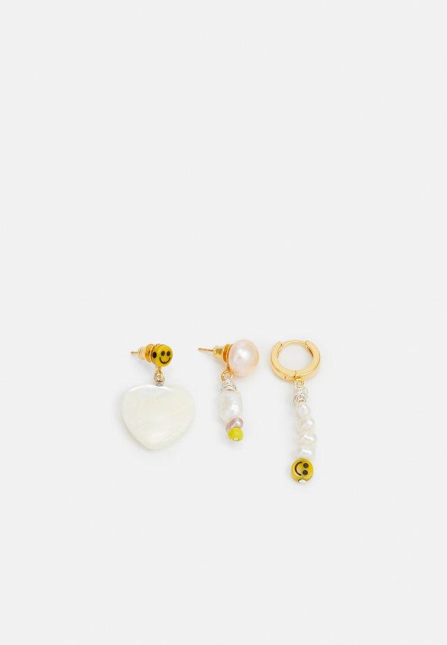 SMILIE DUDE EARRING 3 PACK - Korvakorut - gold-coloured/white