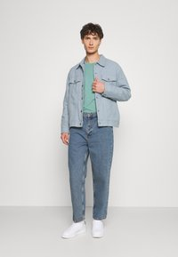 BDG Urban Outfitters - BOW  - Tapered-Farkut - light wash - 1