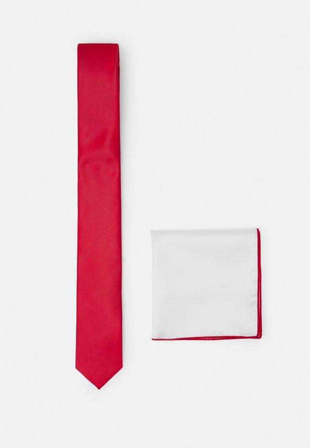 SET - Kapesník do obleku - red