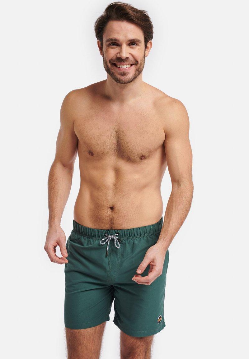 Shiwi - MIKE - Swimming shorts - green