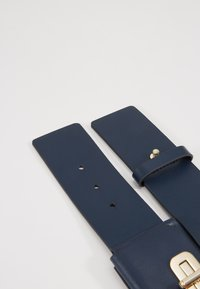 Tommy Hilfiger - TURNLOCK BELT - Pásek - blue - 3