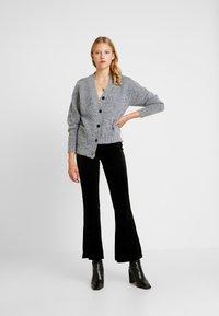 Noisy May - Spodnie materiałowe - black - 1