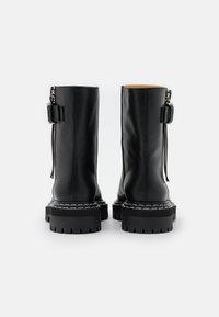 Proenza Schouler - Kotníkové boty na platformě - nero - 3