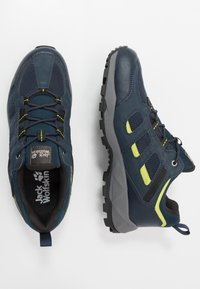 Jack Wolfskin - VOJO HIKE XT VENT LOW - Hiking shoes - dark blue/lime - 1