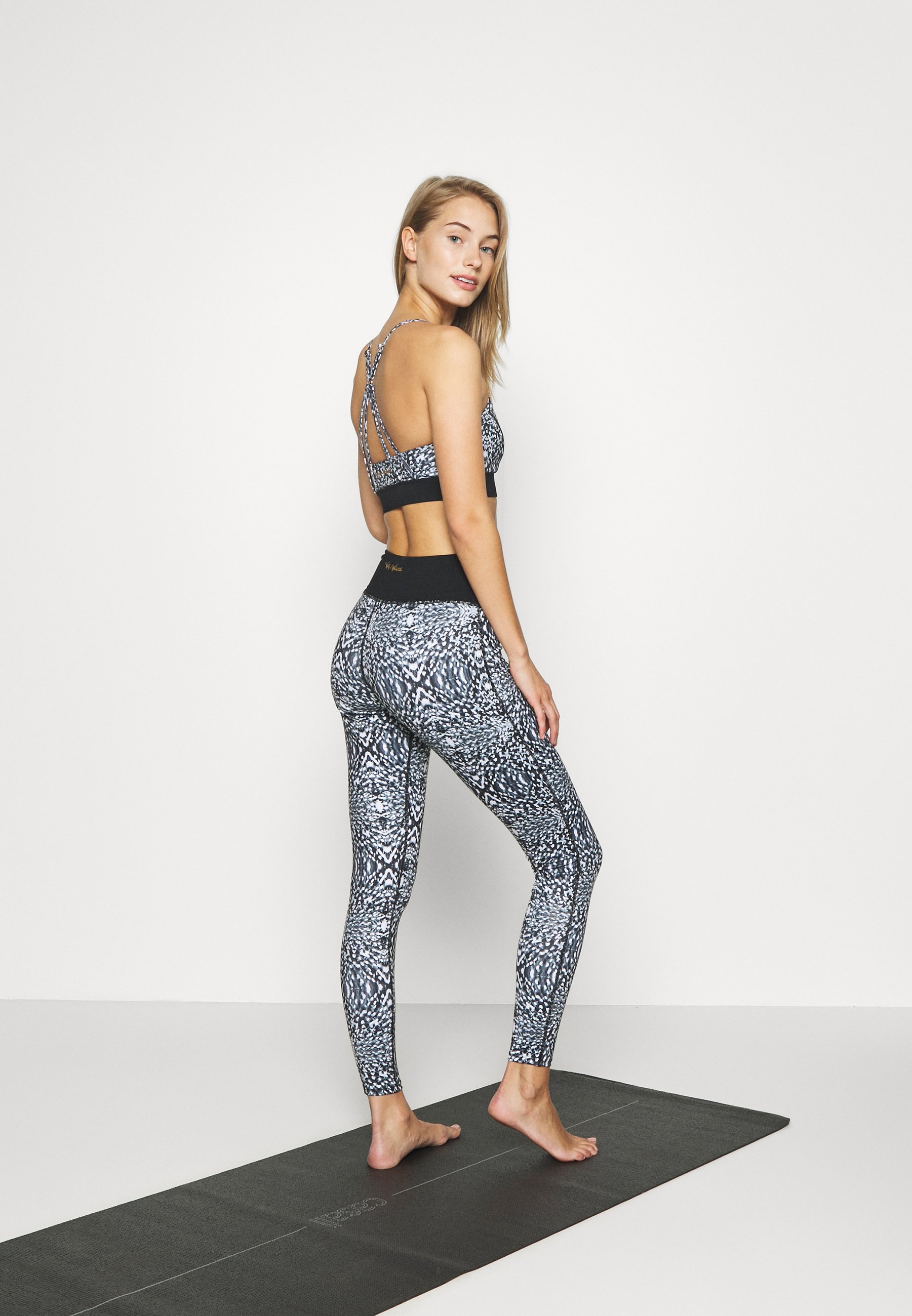 Wolf & Whistle ABSTRACT PRINT LEGGINGS CORE - Leggings - blue 8OkKw