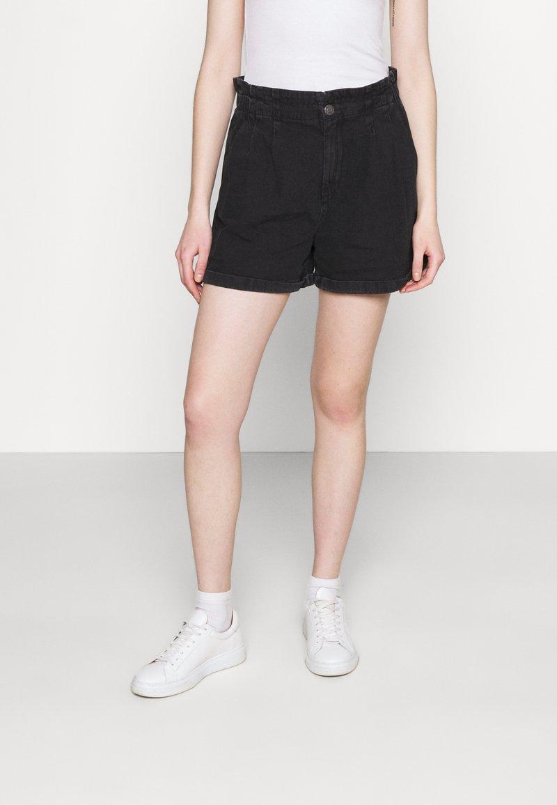 Noisy May - NMARIANNA  - Shorts di jeans - black