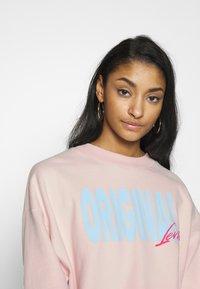 Levi's® - GRAPHIC DIANA CREW - Sweatshirt - crew original peach blush - 3