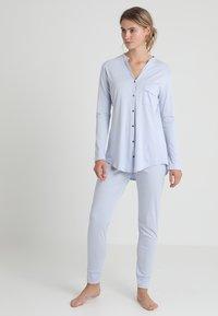 Hanro - PURE ESSENCE SET - Pyjama set - blue glow - 0
