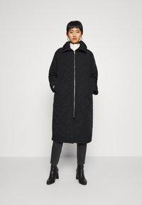 Lindex - COAT ANDIE QUILT - Klasický kabát - black - 0