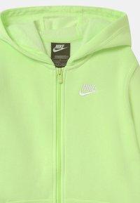 Nike Sportswear - HOODIE CLUB - Sweater met rits - light liquid lime - 2