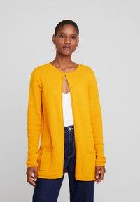 TOM TAILOR - CARDIGAN STRUCTURED - Cardigan - merigold yellow - 0