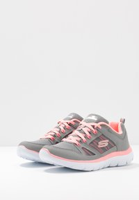 Skechers Sport - SUMMITS - Trainers - gray/coral - 4