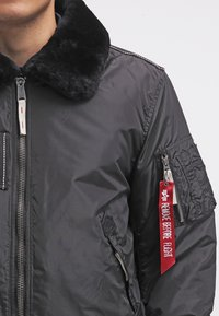 Alpha Industries - INJECTOR III - Bomber Jacket - black - 4