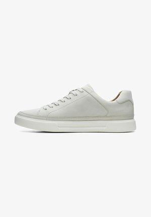UN COSTA TIE - Trainers - off white