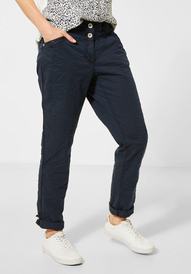 MIT CRASH - Pantalon classique - blau