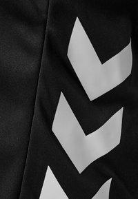 Hummel - 2 PIECE SET - Korte sportsbukser - black - 6