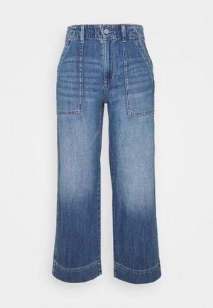 WIDE LEG CROP UTILITY MED OCEAN - Jeans straight leg - medium wash