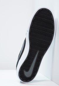 Nike SB - PORTMORE II SOLAR - Skateschoenen - black/dark grey/white - 4