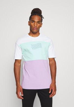 JORASPREY TEE CREW NECK - T-shirt imprimé - white