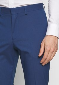 Selected Homme - SLHSLIM MYLOLOGAN SUIT - Kostuum - blue - 6