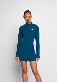 Nike Sportswear - W NSW ESSENTIAL LS - Vestido de tubo - valerian blue/(white) - 0