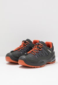 Lowa - ROBIN GTX LO - Hiking shoes - graphit/orange - 3