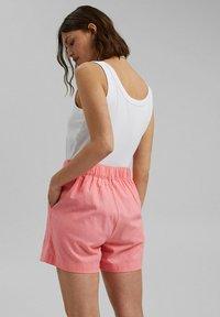 Esprit - MIX:MIT GUMMIBUND - Shorts - coral - 2
