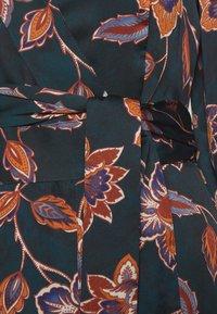BCBGMAXAZRIA - STRIPE DRESS - Denní šaty - multi - 2