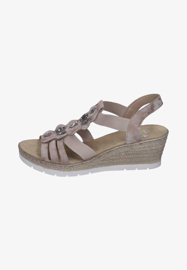 Sandály na klínu - rose