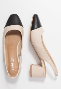 Rubi Shoes by Cotton On - LUCIA LOW BLOCK HEEL - Klassiske pumps - pale taupe/black - 3
