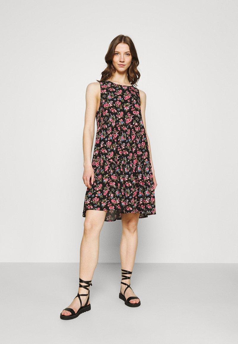 Vila - VICARE LAYER DRESS - Sukienka letnia - black