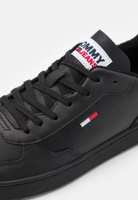 Tommy Jeans - ESSENTIAL CUPSOLE - Baskets basses - black - 5
