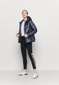 Champion - HOODED JACKET LEGACY - Zimní bunda - dark blue - 1