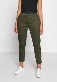 Scotch & Soda - REGULAR FIT WITH STITCHED PLEAT - Chinot - military - 0