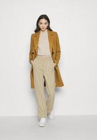 Vero Moda - VMRAMBLA CALA - Zimní kabát - tobacco brown - 1