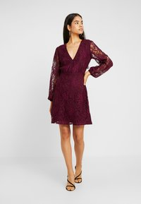 Missguided Tall - PLUNGE BUTTON FLARE DRESS - Juhlamekko - plum - 2